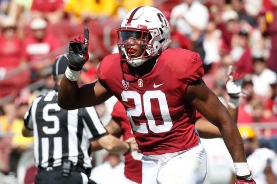 Stanford linebacker Bobby Okereke (20) is built like the Colts' star Darius Leonard.