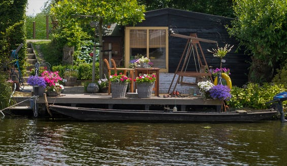 Canal life in Kinderdijk.