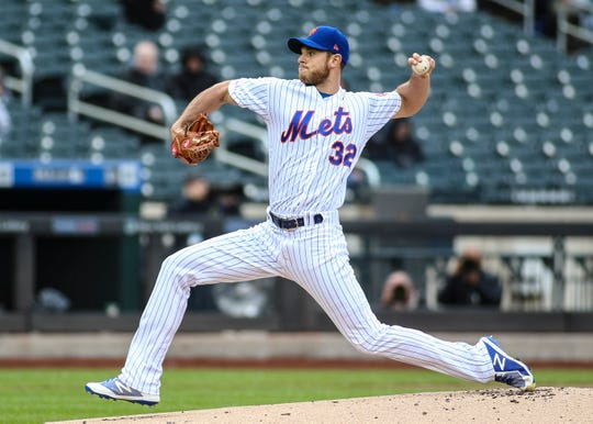 New York Mets pitcher Steven Matz (32) throws the ball in the first inning against the Milwaukee Brewers at Citi Field.