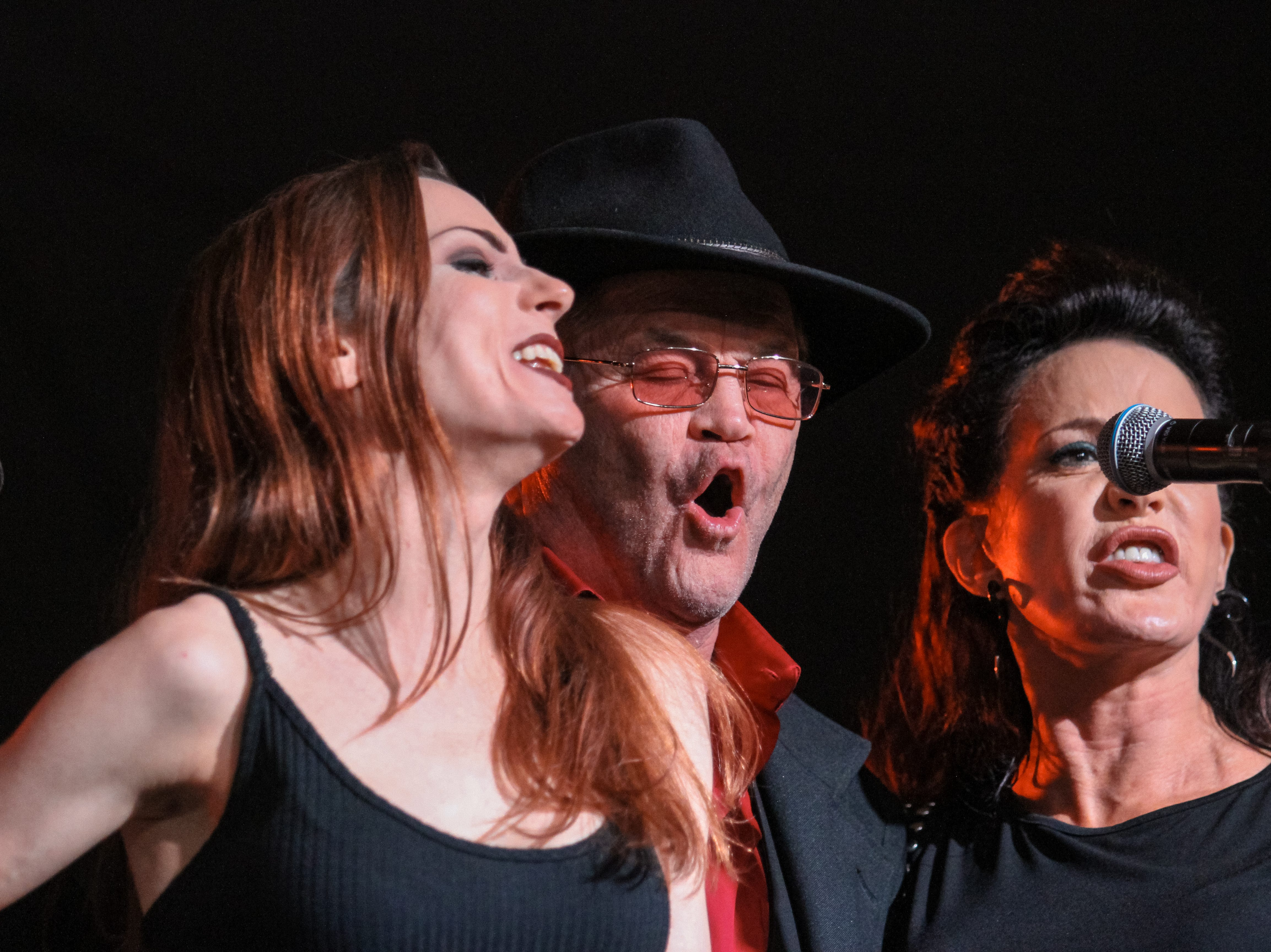Micky Dolenz of The Monkees and Sheryl Cooper perform at Alice Cooper's Rock & Roll Fundraising Bash at the Las Sendas Golf Club in Mesa on April 27, 2019.