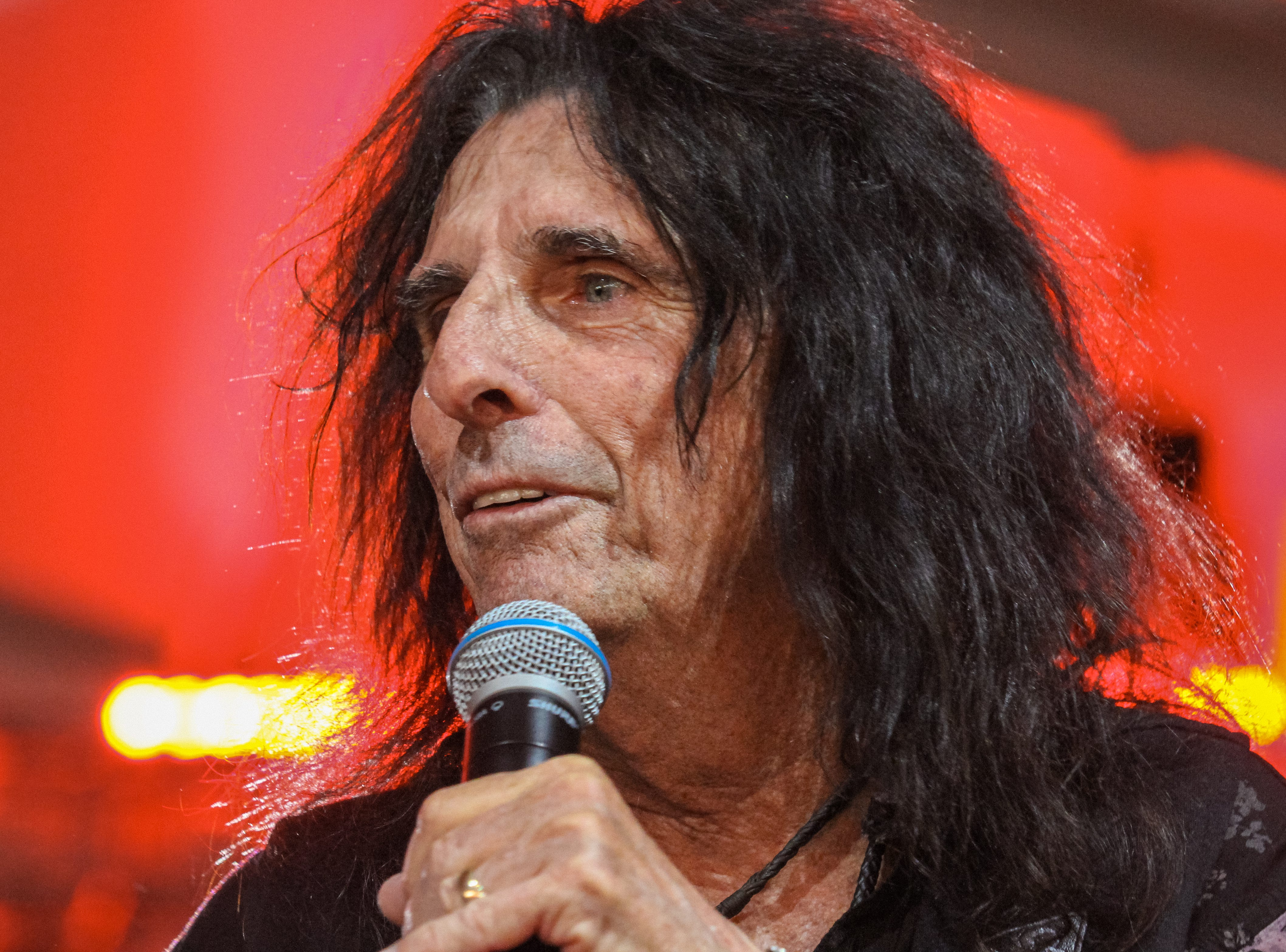Alice Cooper speaks at Alice Cooper's Rock & Roll Fundraising Bash at the Las Sendas Golf Club in Mesa on April 27, 2019.