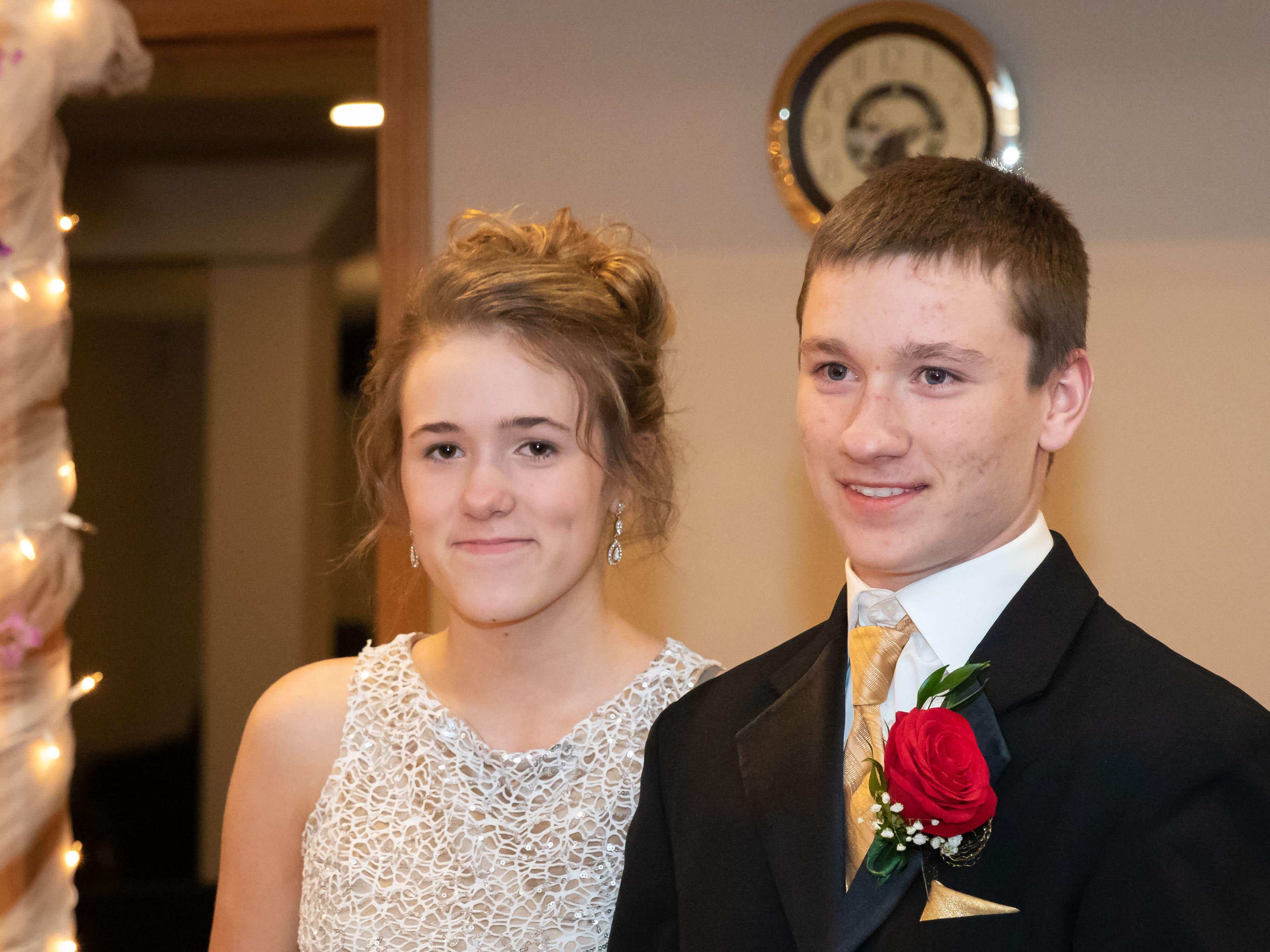 The John Edwards High School Prom was held Saturday, April 27, 2019, at the Wisconsin Rapids Elks Lodge.