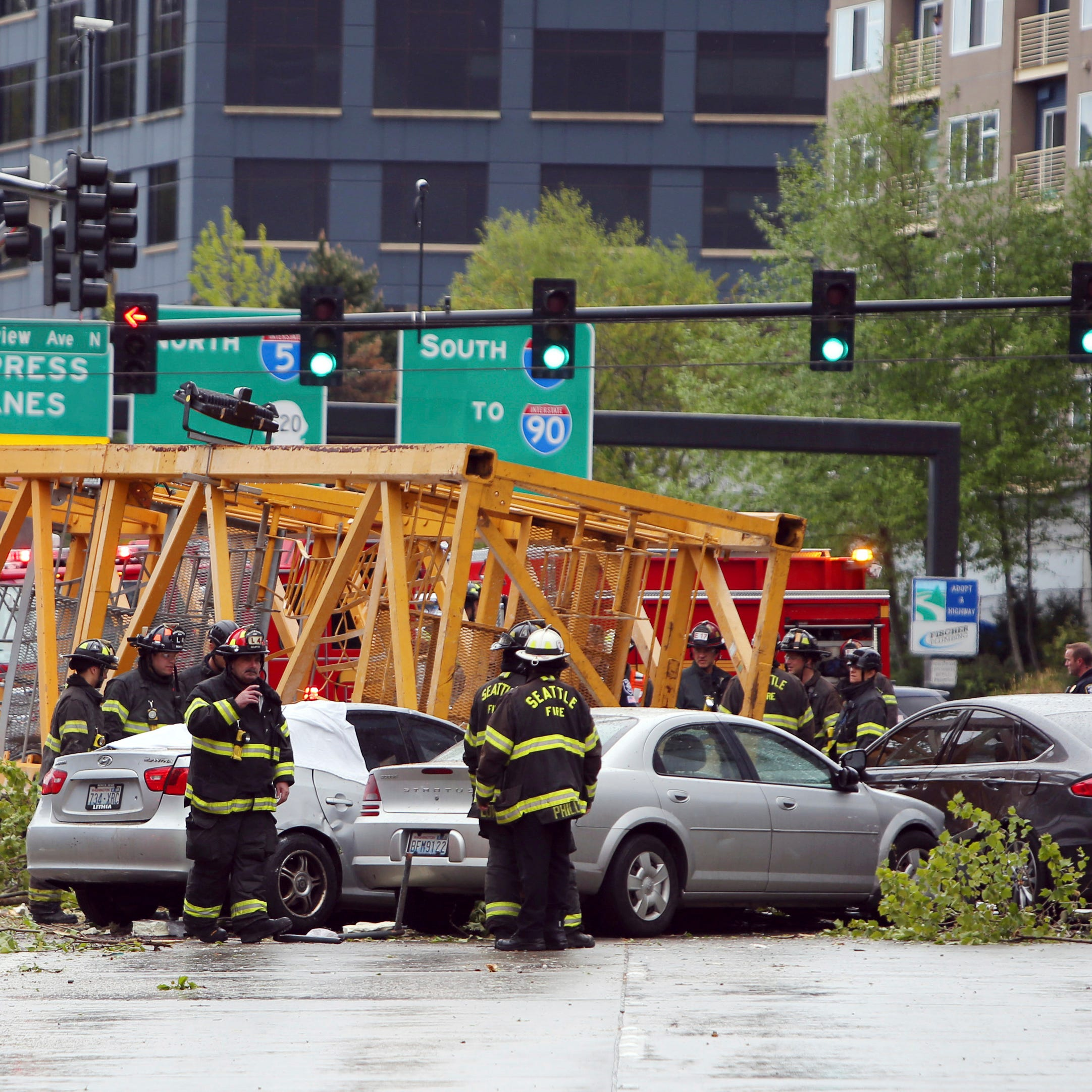 4 dead after construction crane collapses in Seattle