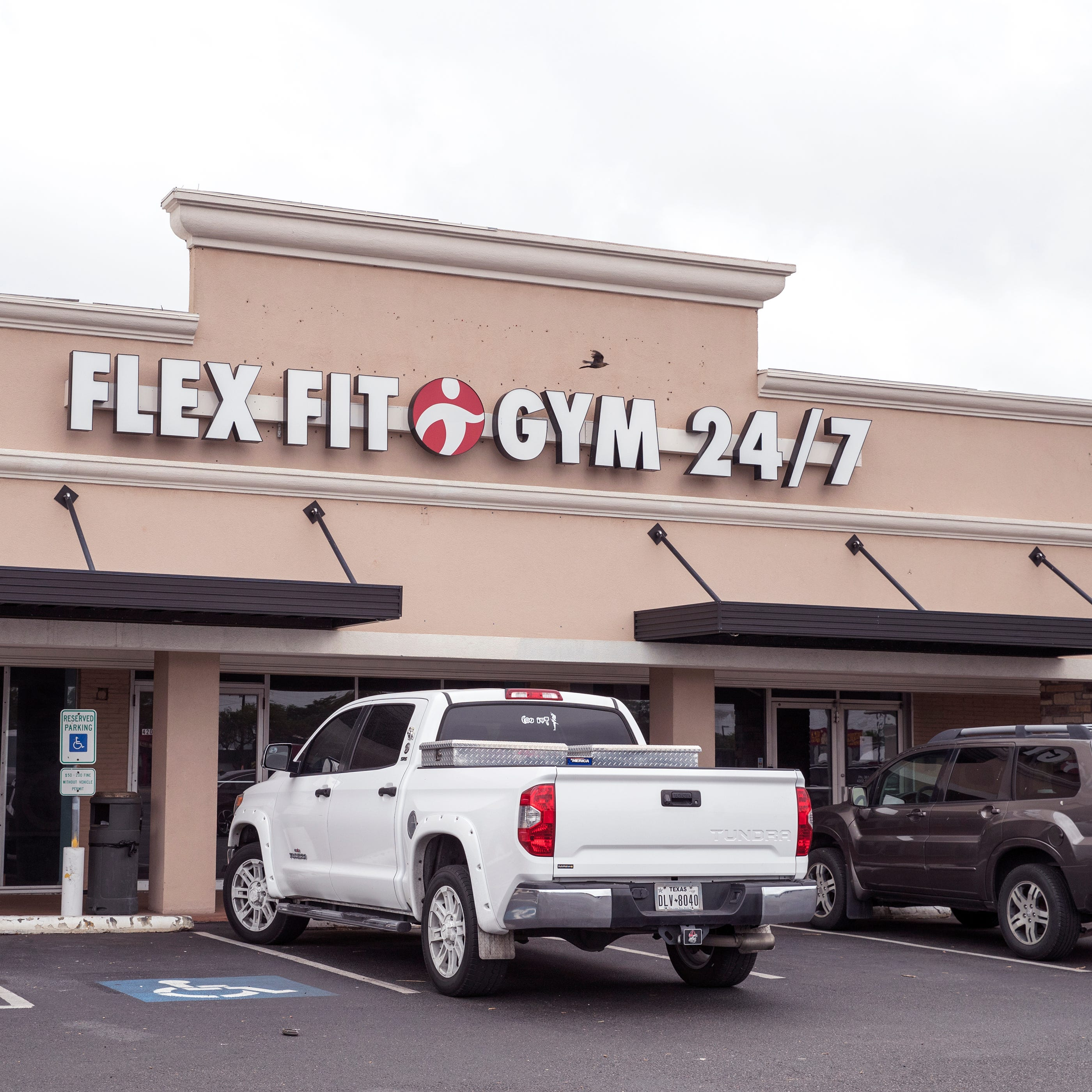 Corpus Christi Flex Fit locations suddenly close; Freedom Fitness takes on memberships