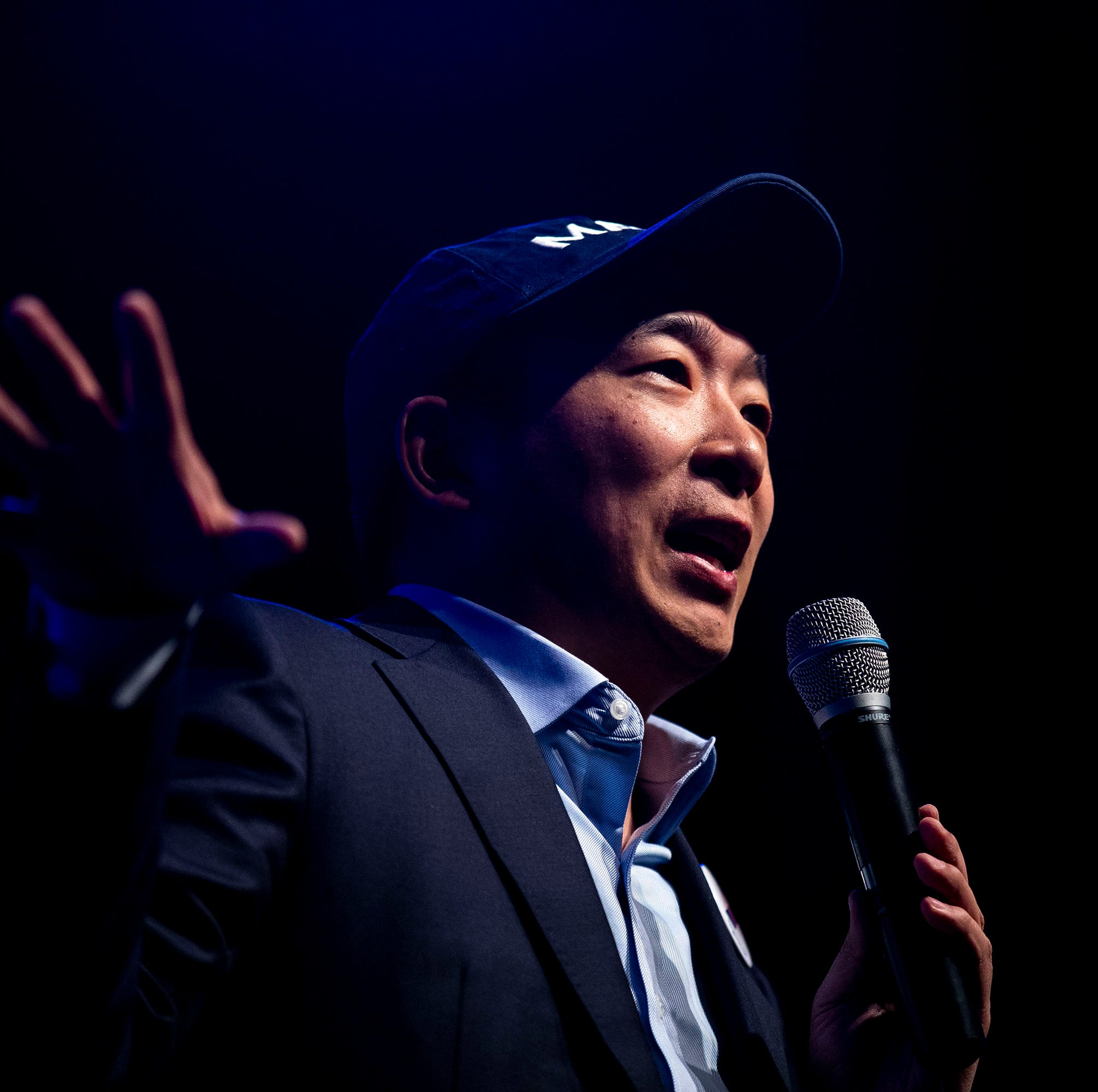 2020 candidate Andrew Yang wants to give an Iowan $12,000 over the next year to demonstrate the value of his policy plans