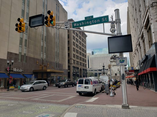New digital signs in downtown Indianapolis will redirect traffic during events at Monument Circle.