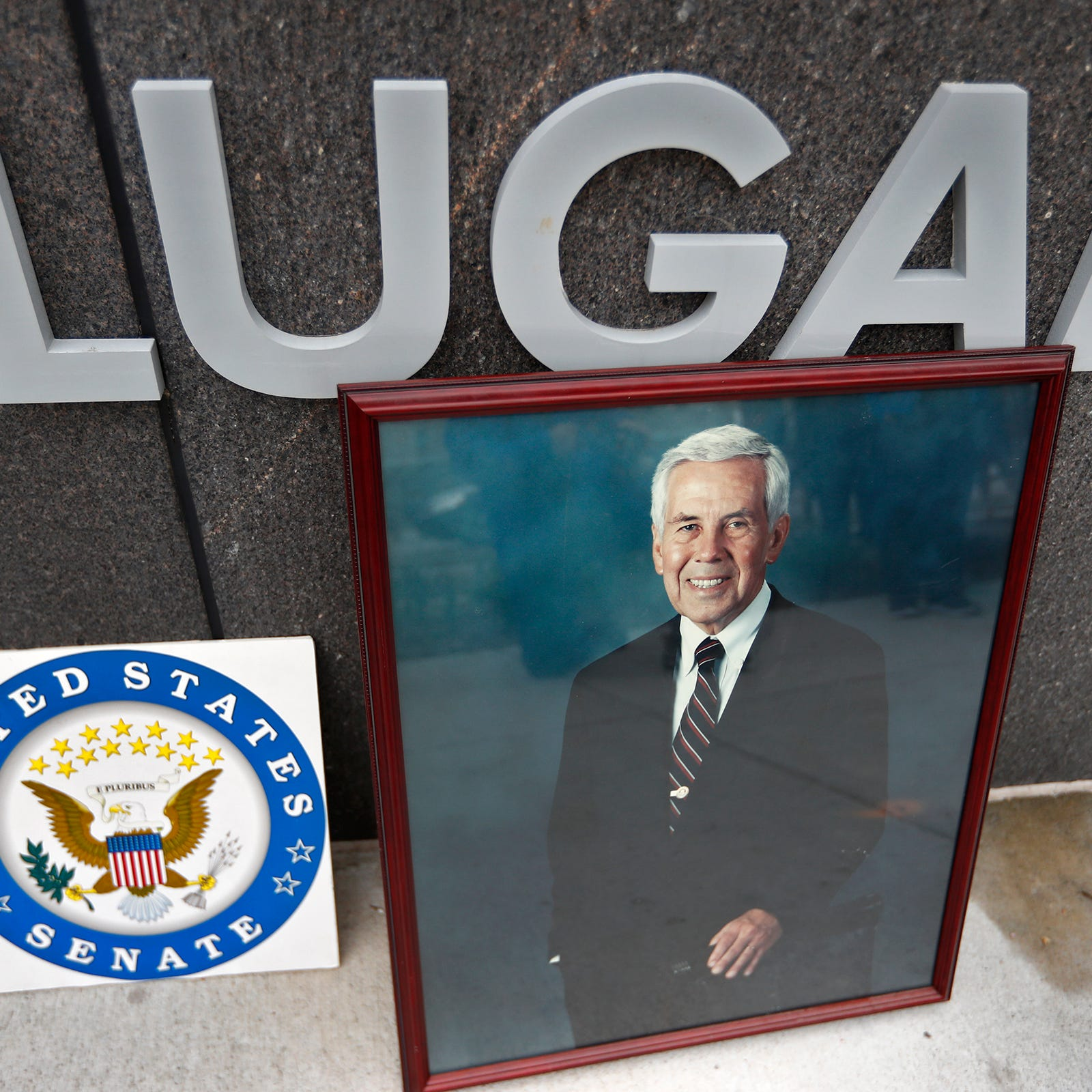 Richard Lugar funeral service: Senator will lie in state at Indiana Statehouse rotunda
