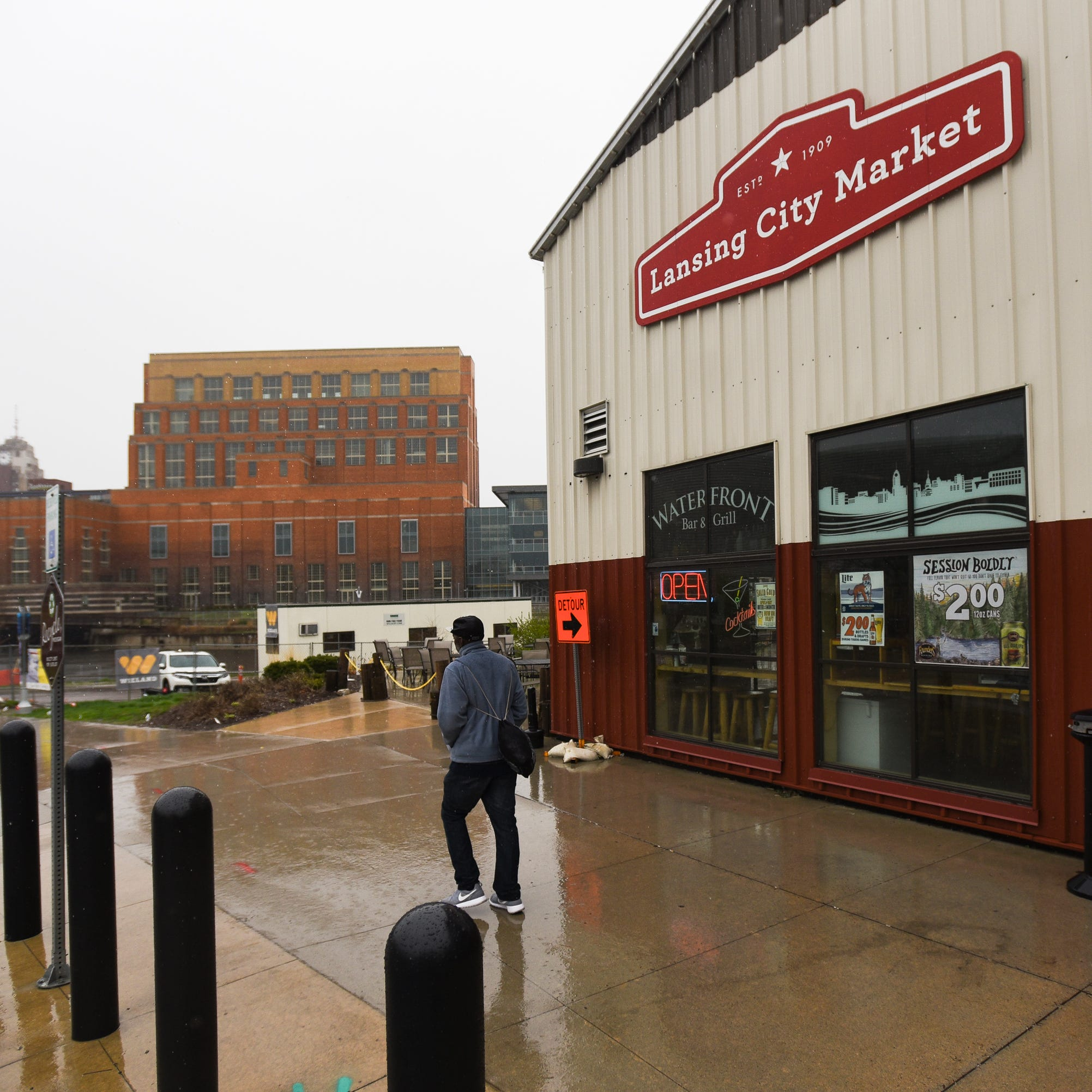 Appeals court: Waterfront Bar & Grill must leave Lansing City Market by June