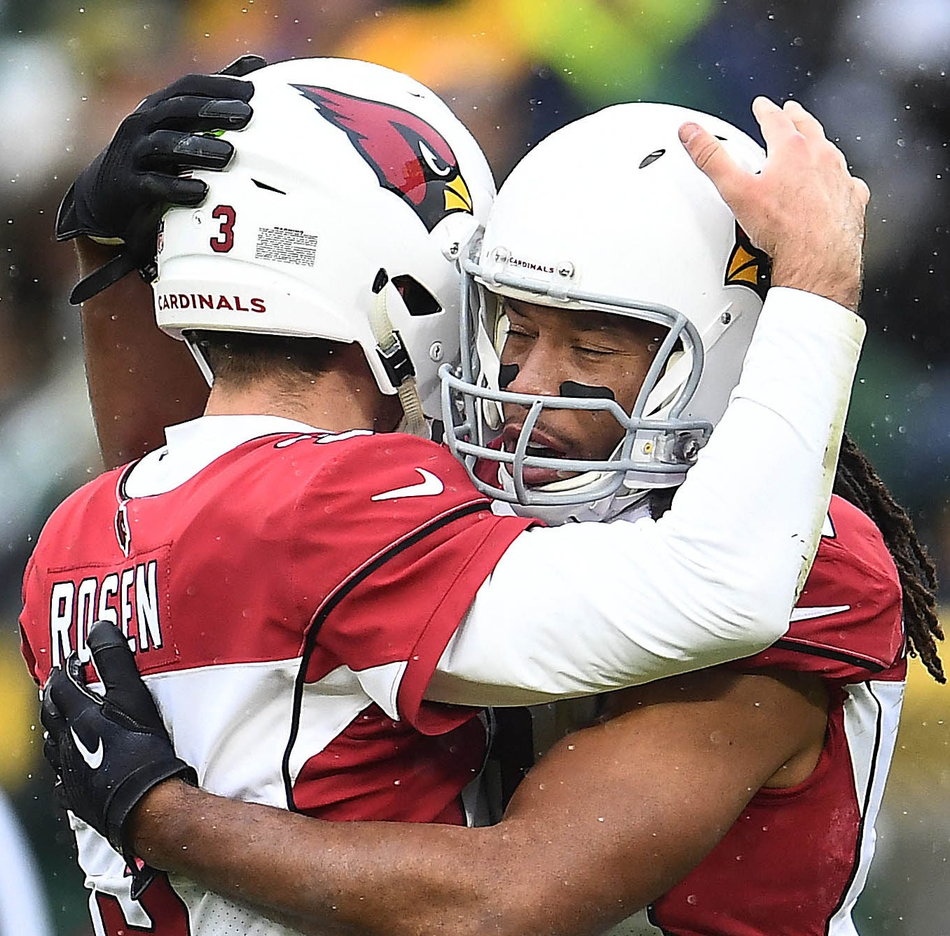Cardinals' Larry Fitzgerald defends Josh Rosen: 'He has a bright future ahead of him'