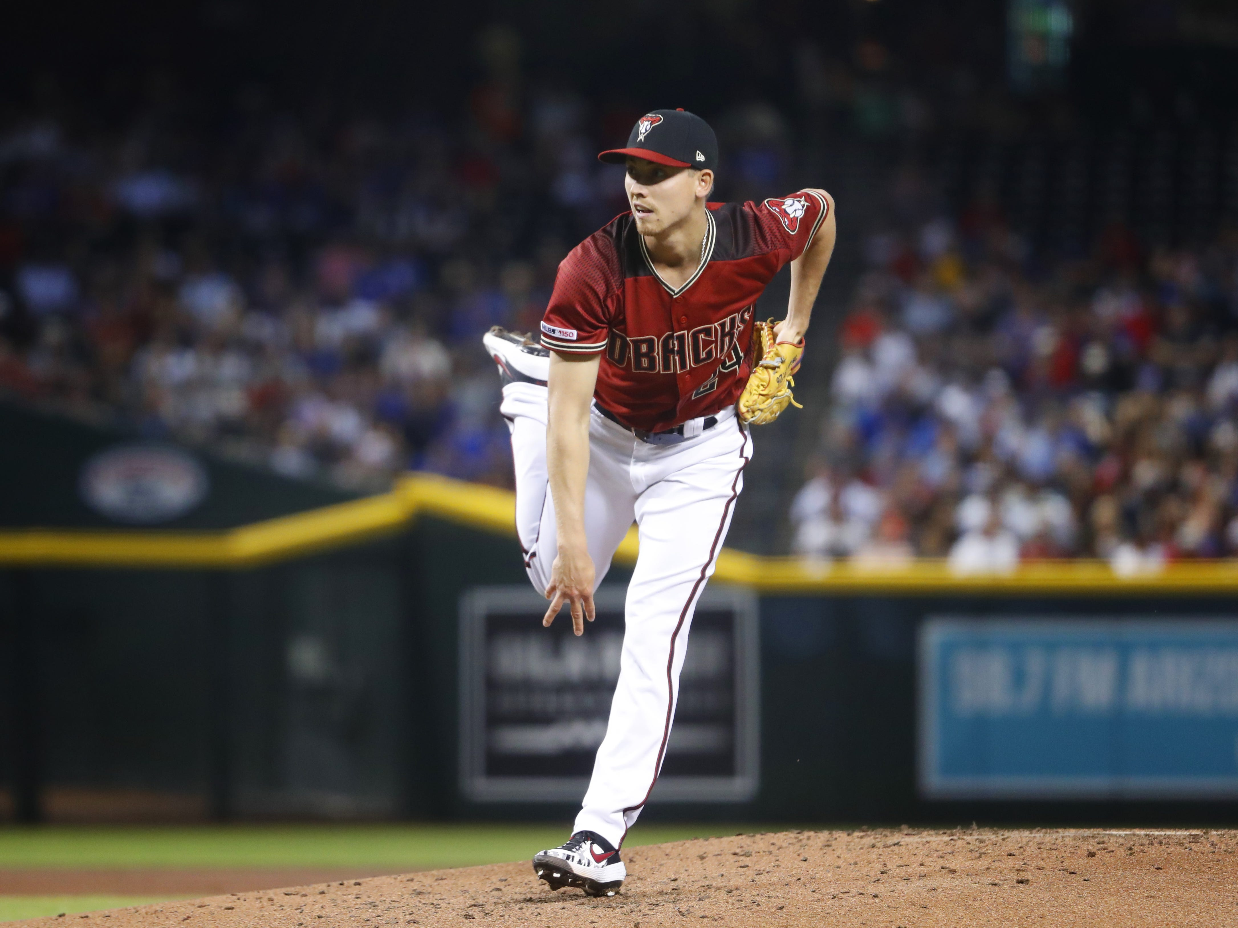 Diamondbacks' Luke Weaver (24) pitches during the first inning against the Cubs at Chase Field in Phoenix, Ariz. on April 28, 2019.