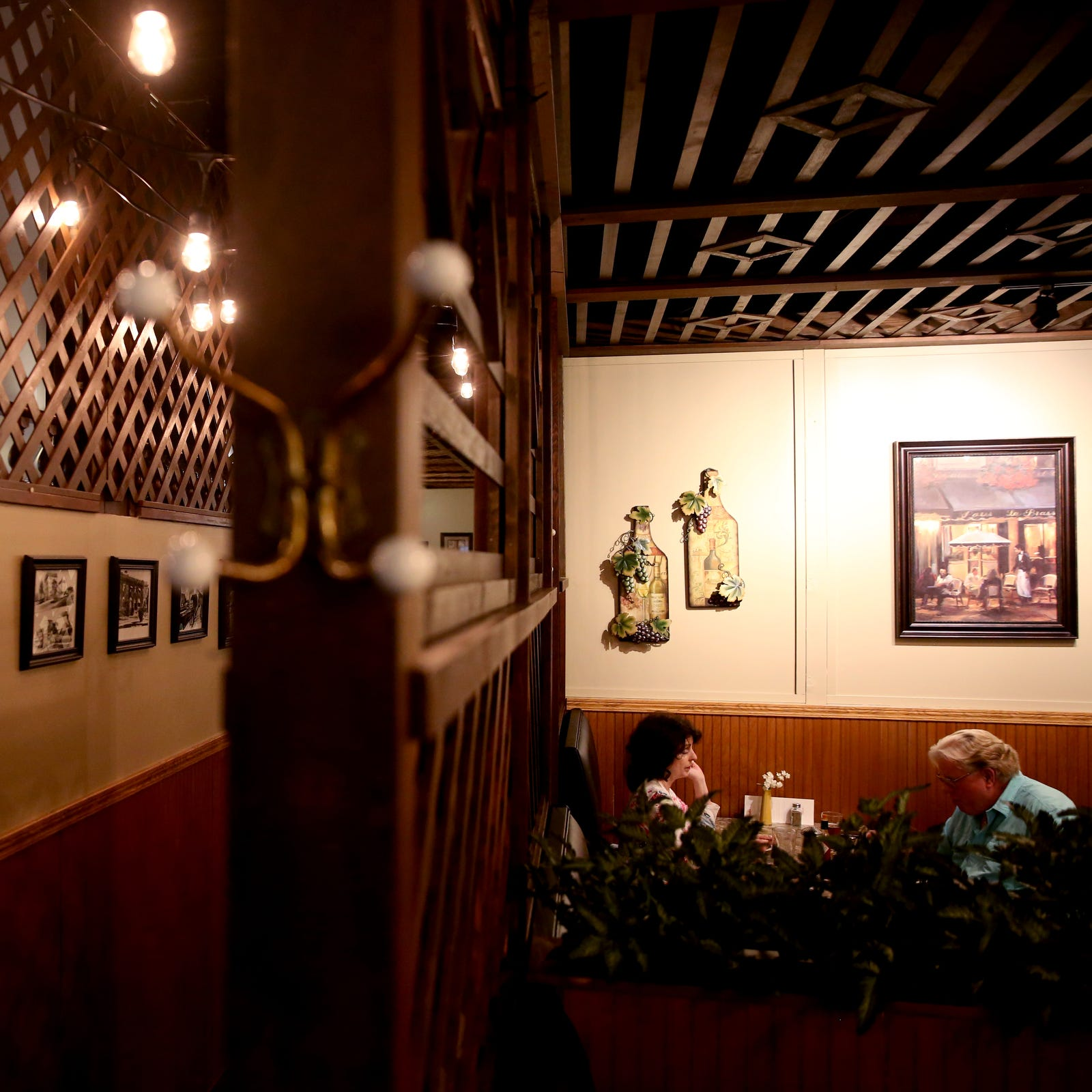 Still retro, but refreshed; Geppetto's Italian Restaurant reopens following fire