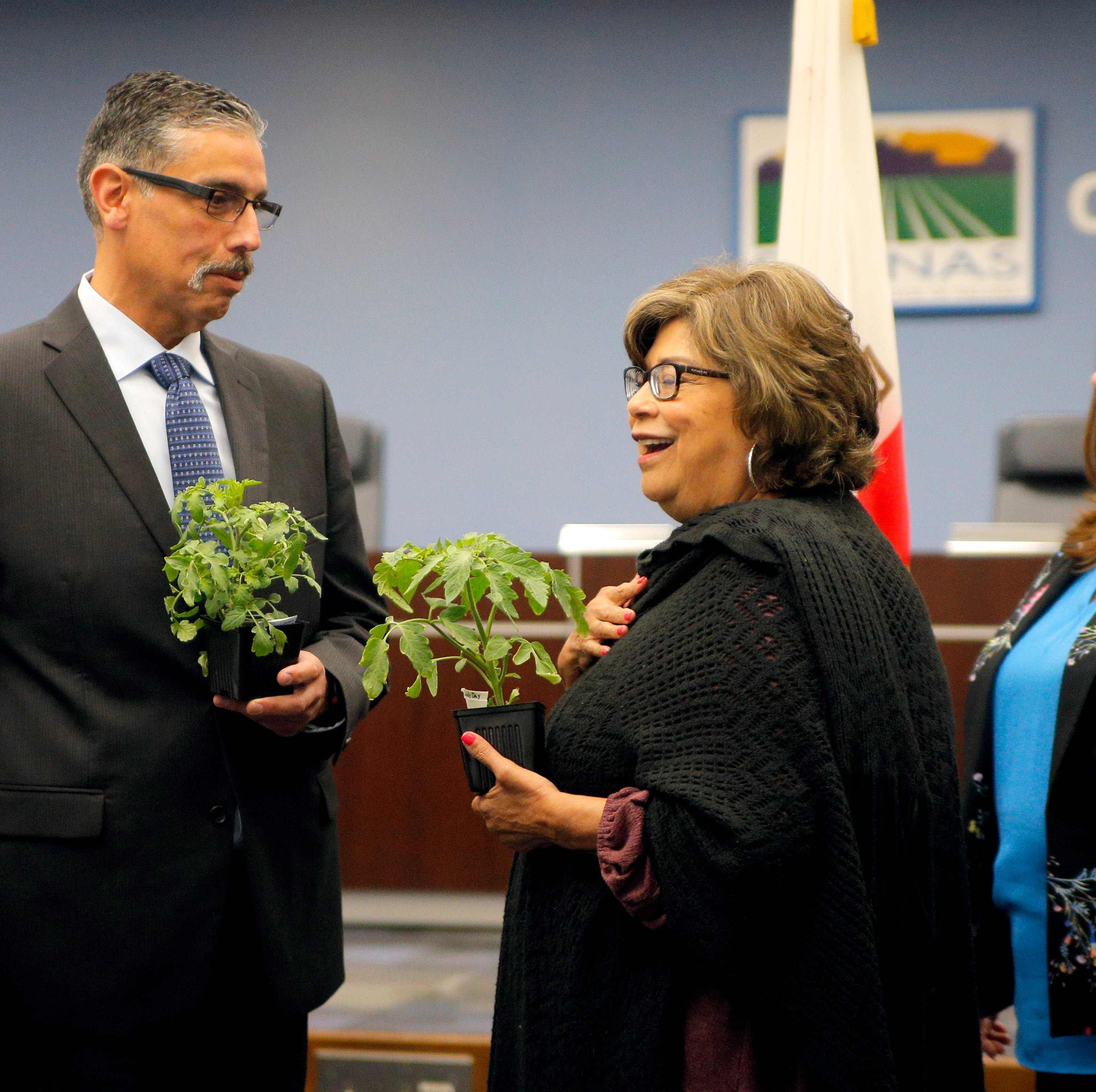Salinas welcomes new fire chief with praise and plants