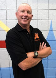 Retired El Paso High swimming coach Dow Farley will be inducted into the El Paso Athletic Hall of Fame on May 8.