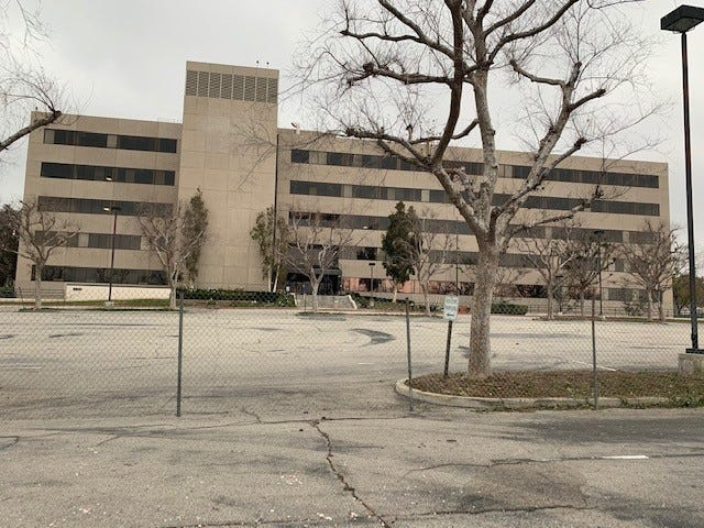 The sale of the long-vacant Farmers Insurance office building site in Simi Valley has closed for $18.5 million. The Orange County developer who bought it plans to tear it down and build housing and some retail space there.