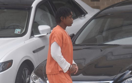 Felicia Marie Nicole Smith walks into the Natchitoches Parish Courthouse Tuesday for a hearing in her first-degree murder case. A judge approved a defense motion to hold a preliminary examination in the case.