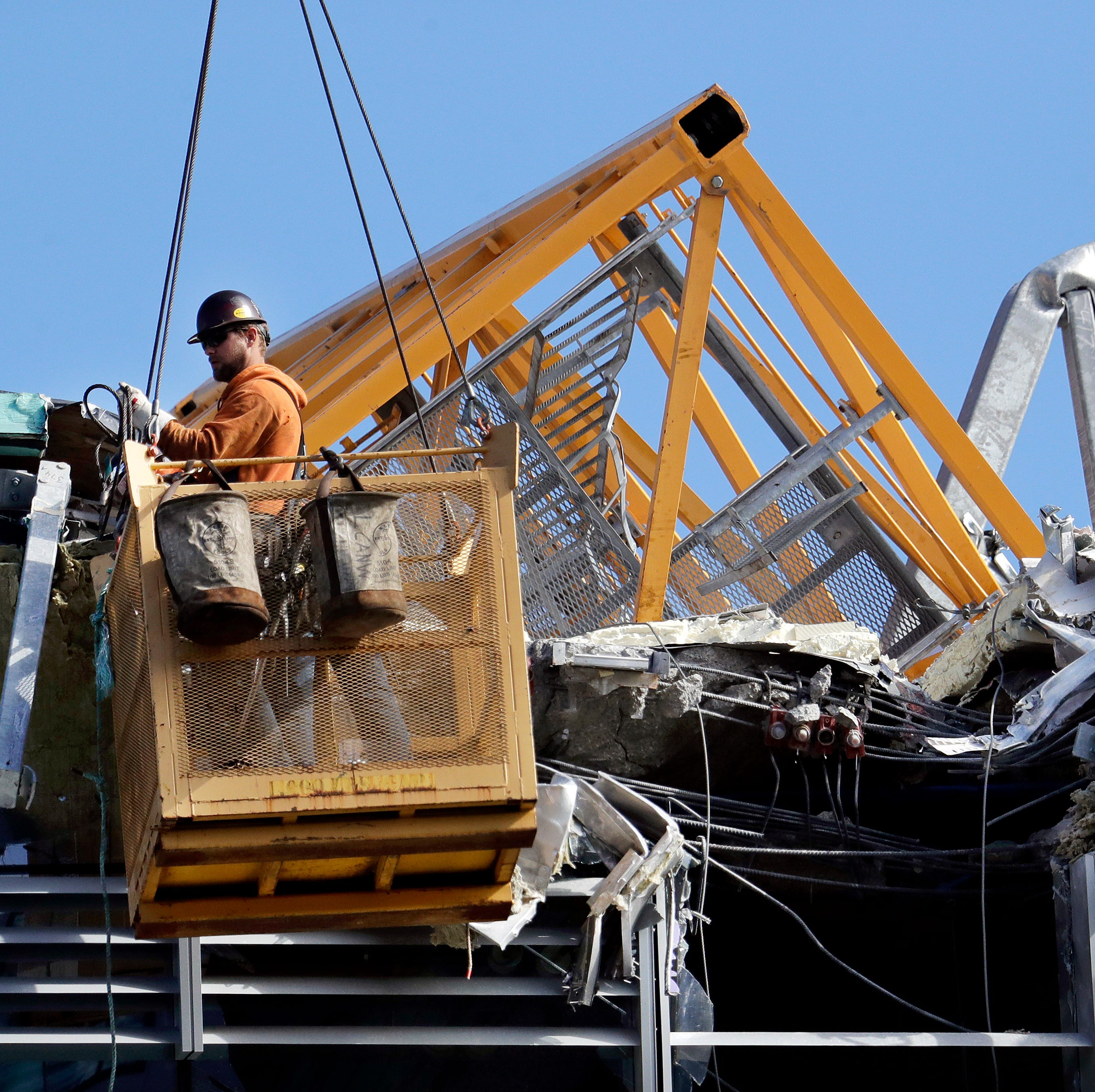 Experts: Human error may be cause of Seattle crane collapse