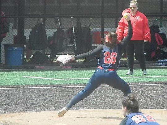 Dunellen's Elizabeth Renavitz pitches against Woodbridge on Saturday, April 27, 2019.