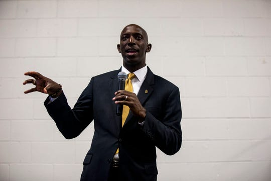 Wayne Messam, mayor of Miramar, Florida and declared caucus candidate, holds a town hall on Monday, April 29, 2019, at Fox Brewing in West Des Moines. This is his first trip to Iowa after announcing his run for president.