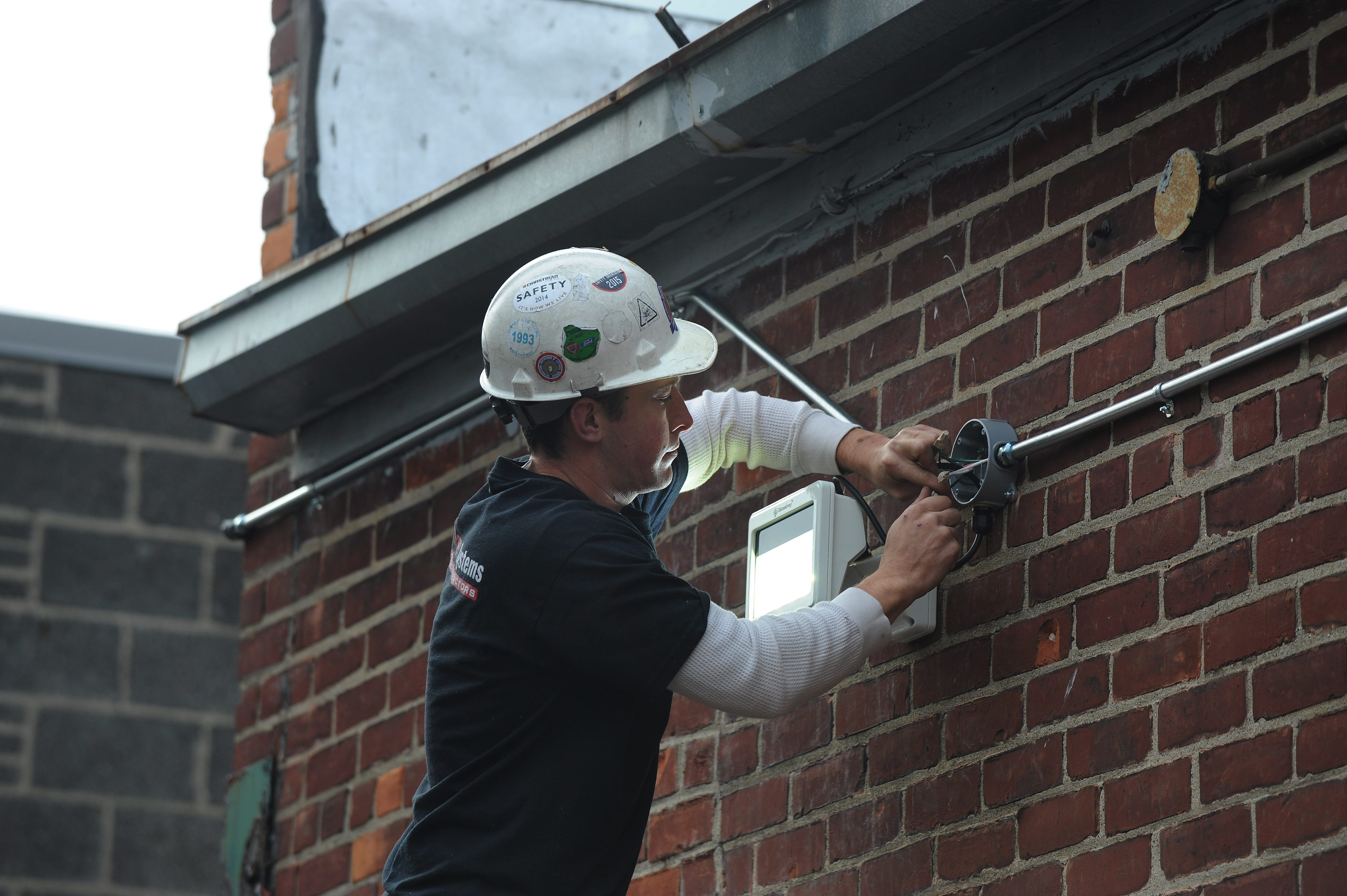 """""""Some nonunion contractors say there is no difference between union and nonunion electricians, but that's false,"""" the authors write."""
