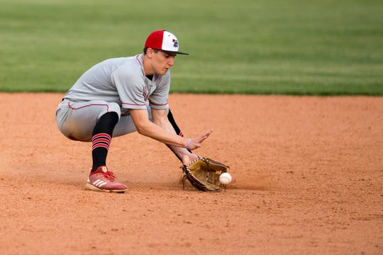 Southridge's Colson Montgomery (2) fields a grounder during the Mater Dei Wildcats vs Southridge Raiders baseball game at Bosse Field Monday, April 29, 2019.