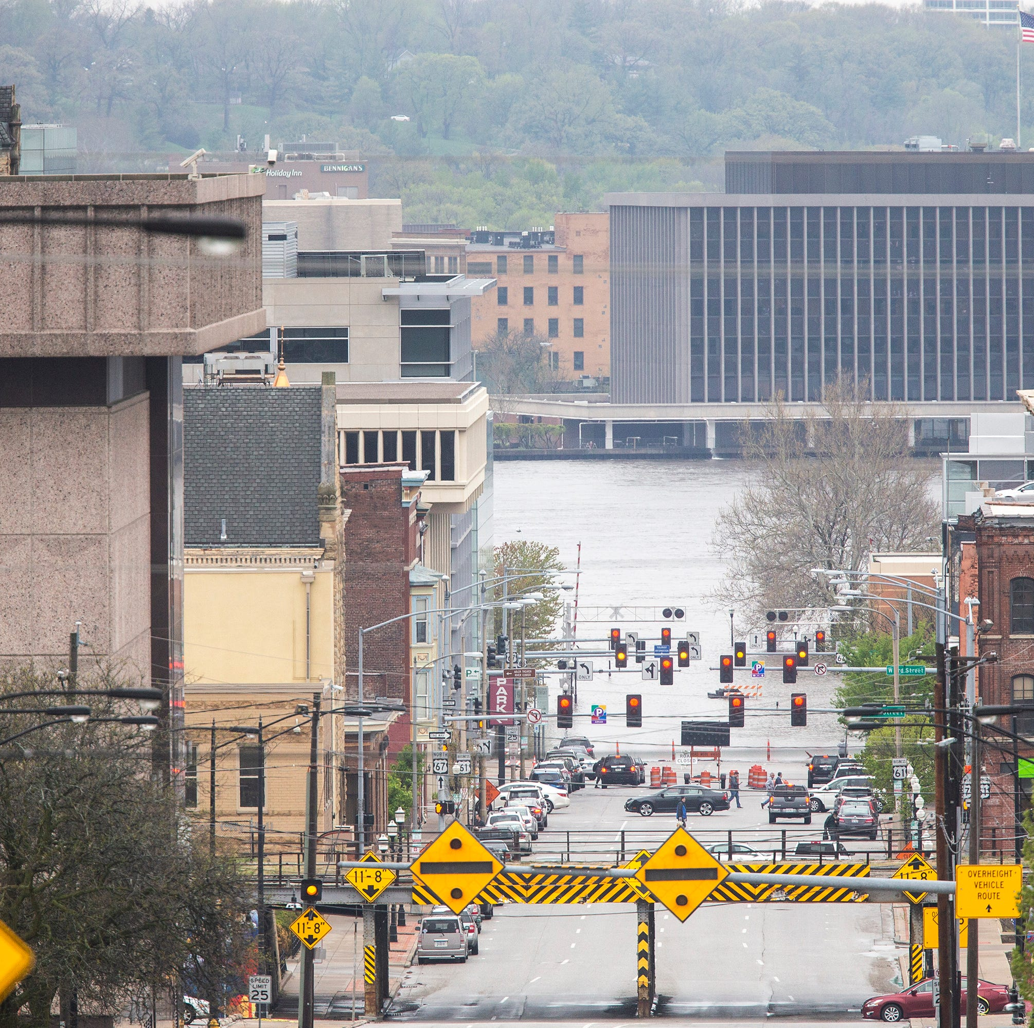 Flash flood emergency in downtown Davenport as barrier is threatened, weather service says