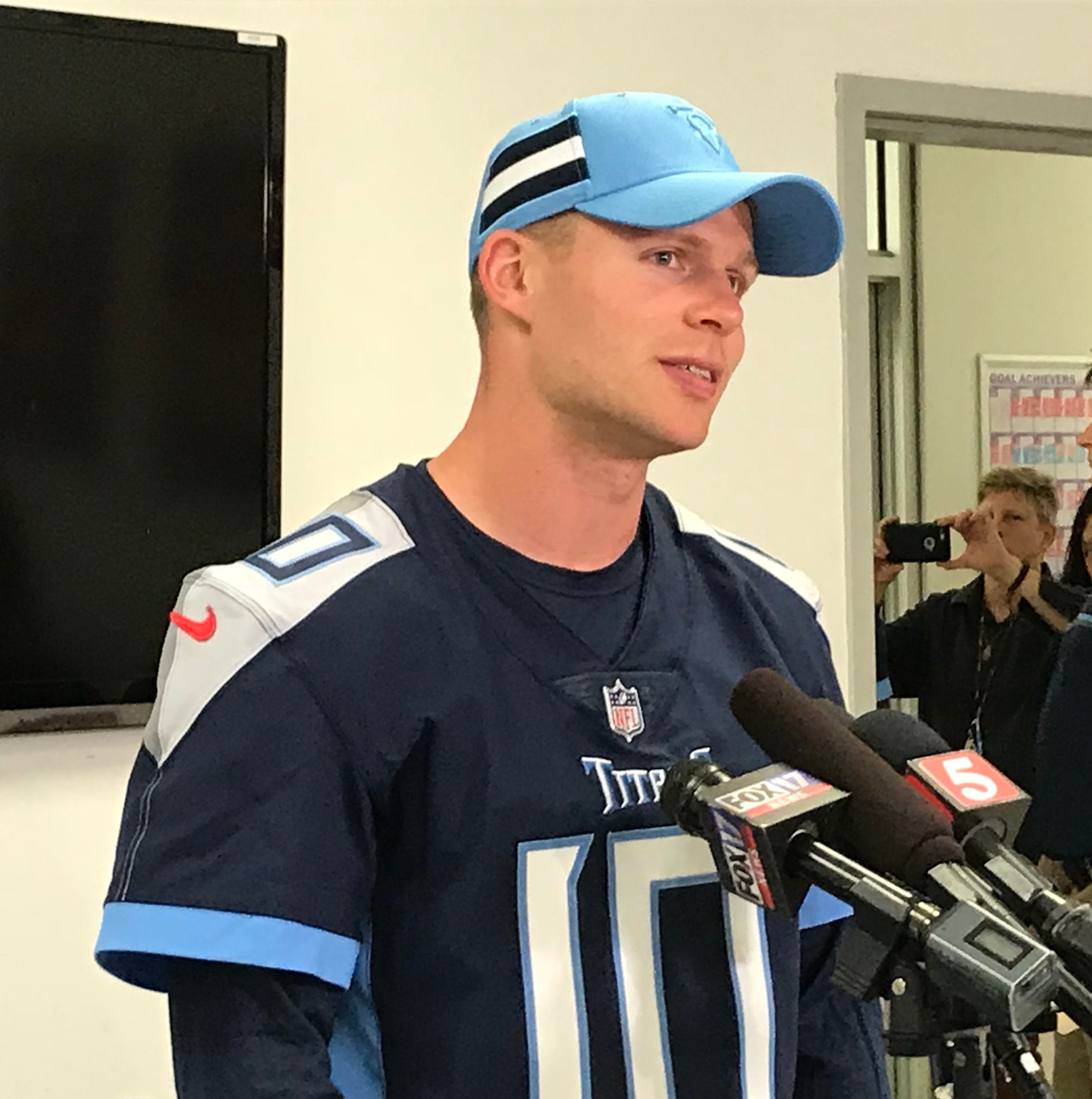 Titans' Adam Humphries still meets people who don't believe he plays in the NFL. So he has to convince them.