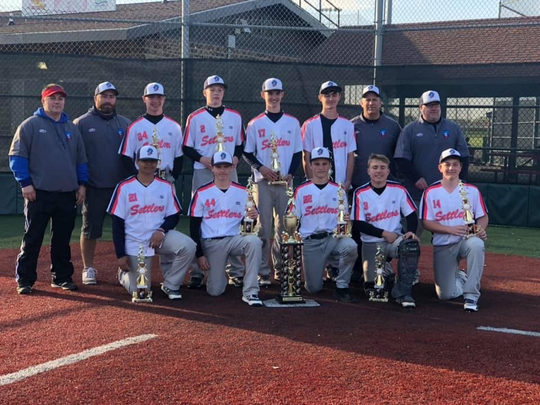 The Licking County Settlers 14U won the Gold Bracket last weekend at Berliner Park.