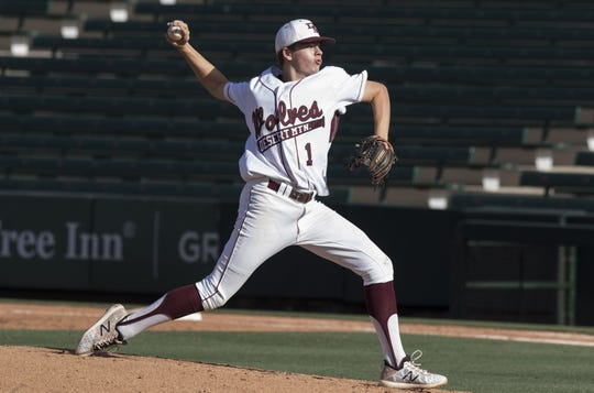 Desert Mountain pitcher Nick Suspenzi (1) delivers a pitch against Sunrise Mountain during the 5A state baseball second round at Diablo Stadium in Tempe, Arizona, April 29, 2019.