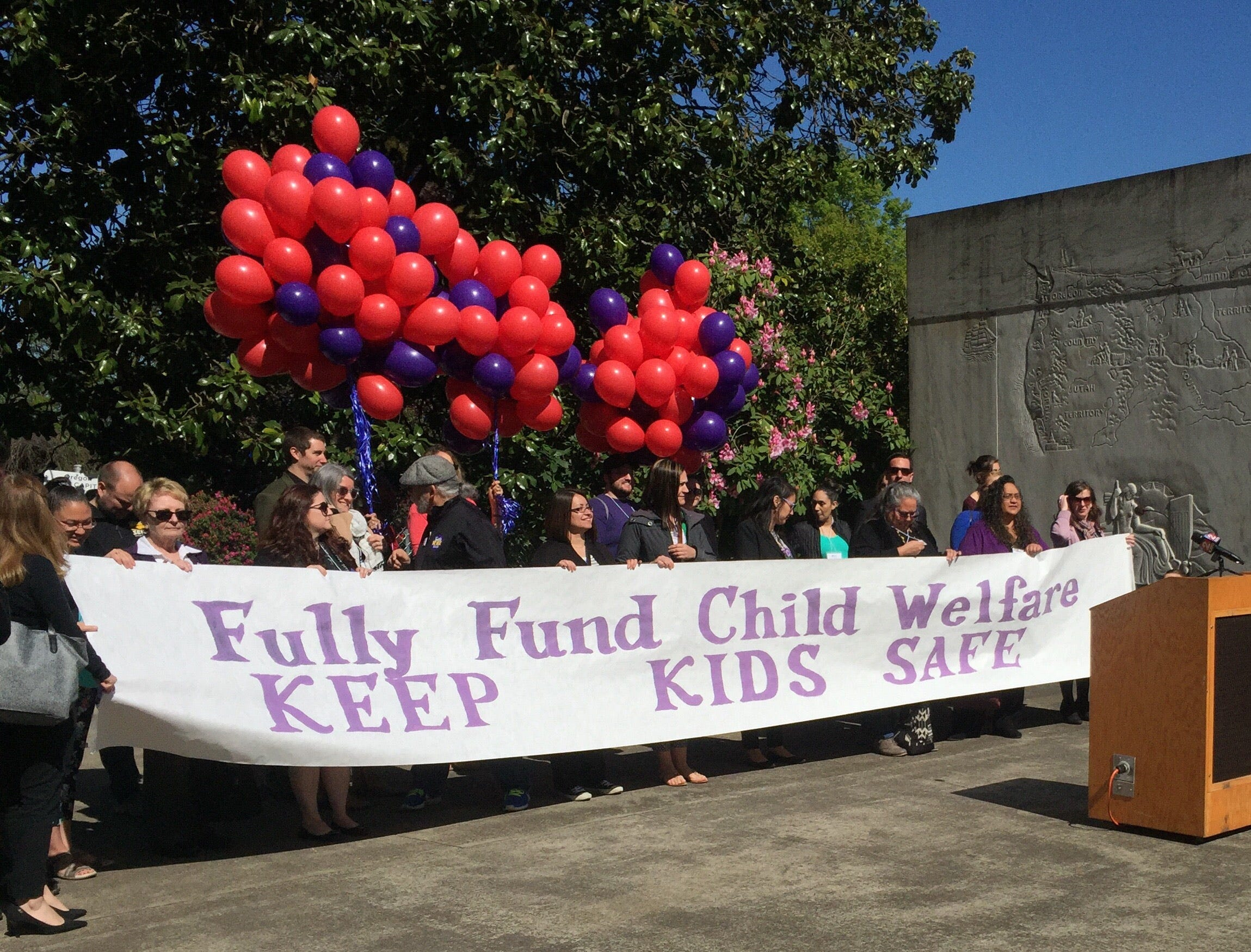 Oregon caseworkers, foster youth call for fully funding