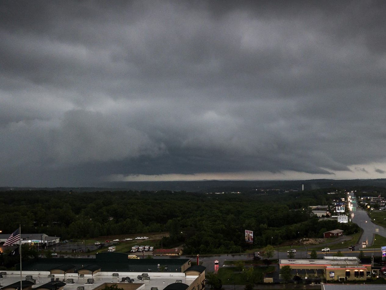 'This is starting to get severe, folks,' says SGF meteorologist after tornado reports