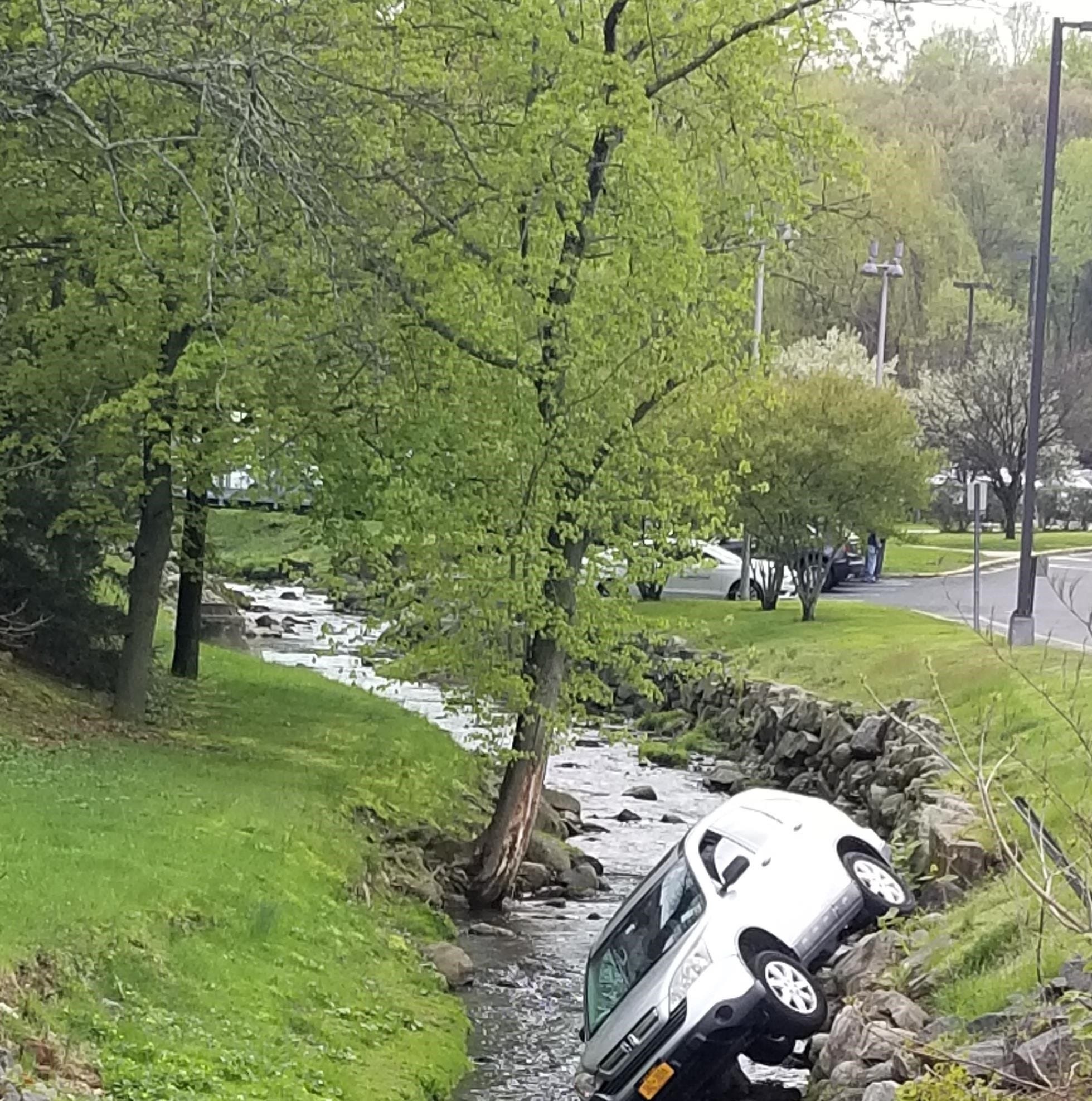 Driver accidentally drives into creek outside of Rockland County Courthouse