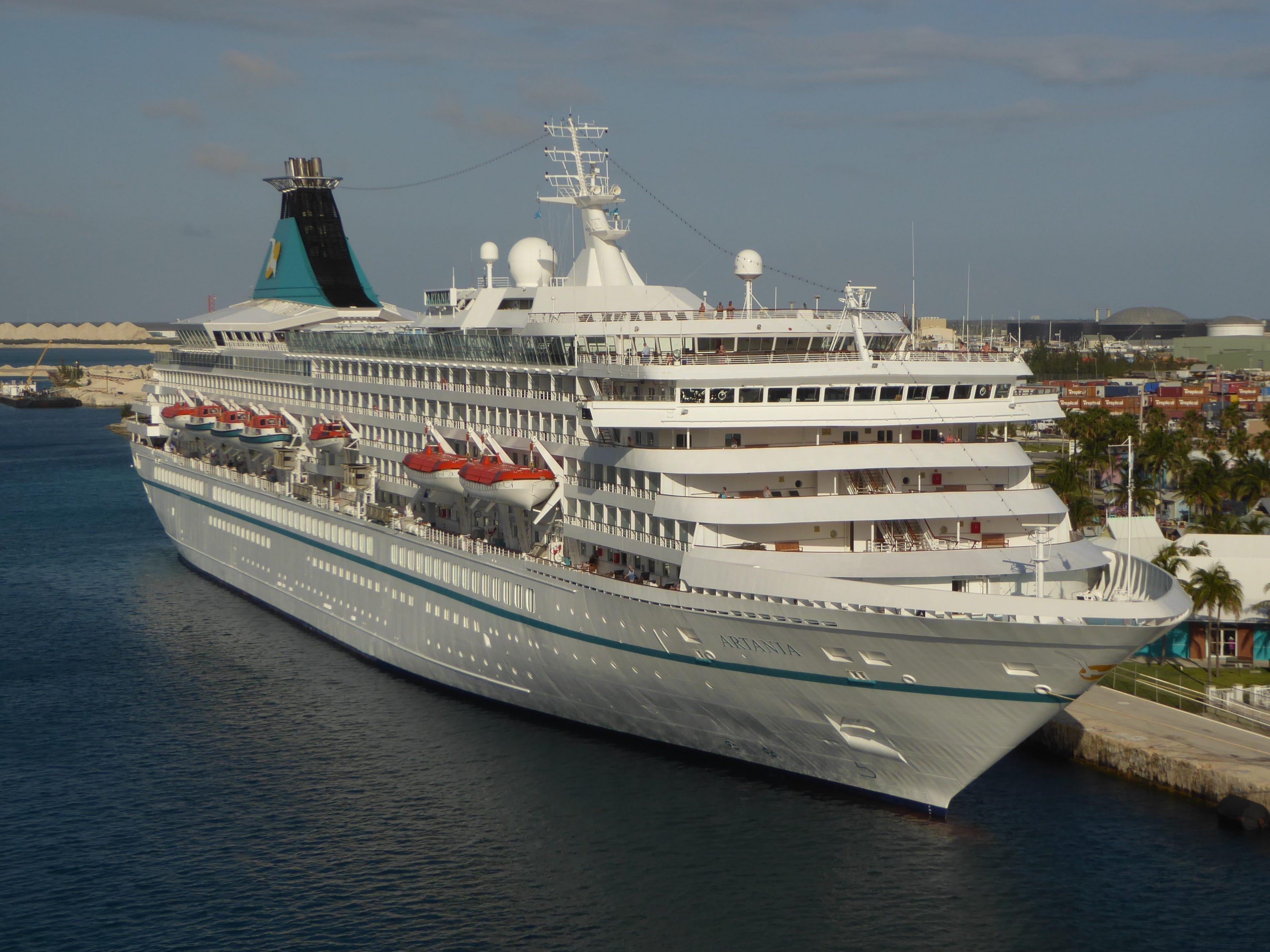 Cruise ship tour: Phoenix Reisen's Artania