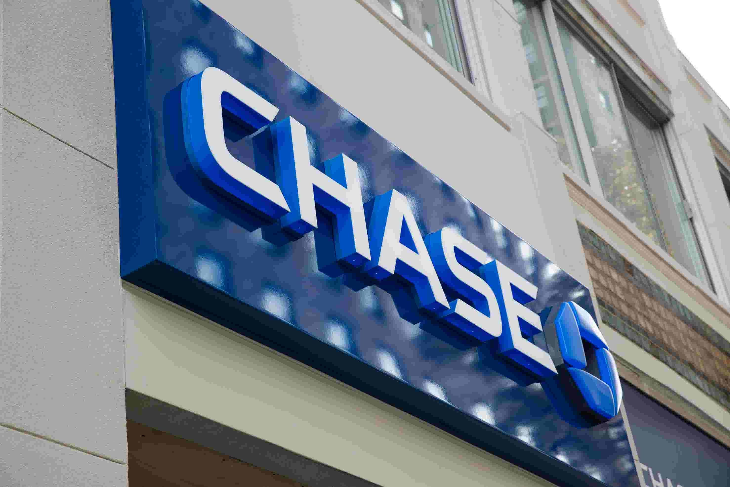 Chase bank's attempt to share some #MondayMotivation completely backfired