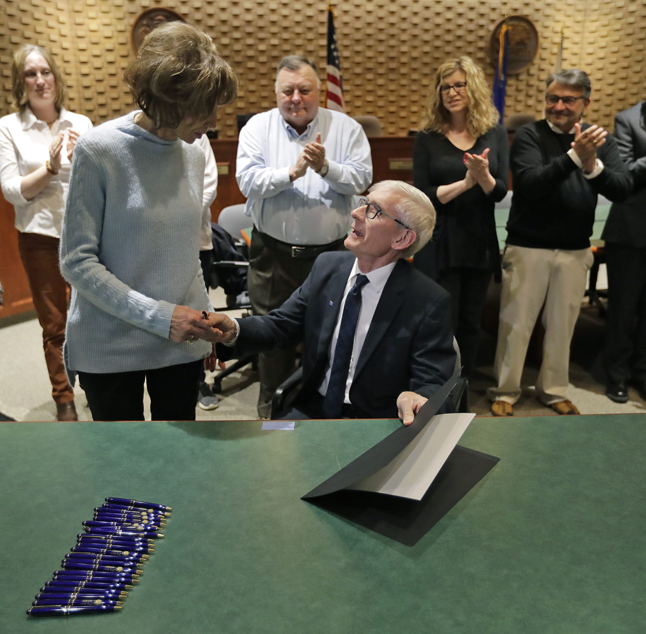 'Lion of the Legislature': Governor signs bill naming I-41 interchange for the late state Sen.MikeEllis