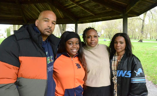 Damon Brown along with the family of Khari Davis, from left, sister Kelley Blythe, mother, Antwoine Davis and sister Demetria White will call for an end to violence during a gathering Thursday at Claude Evans Park.