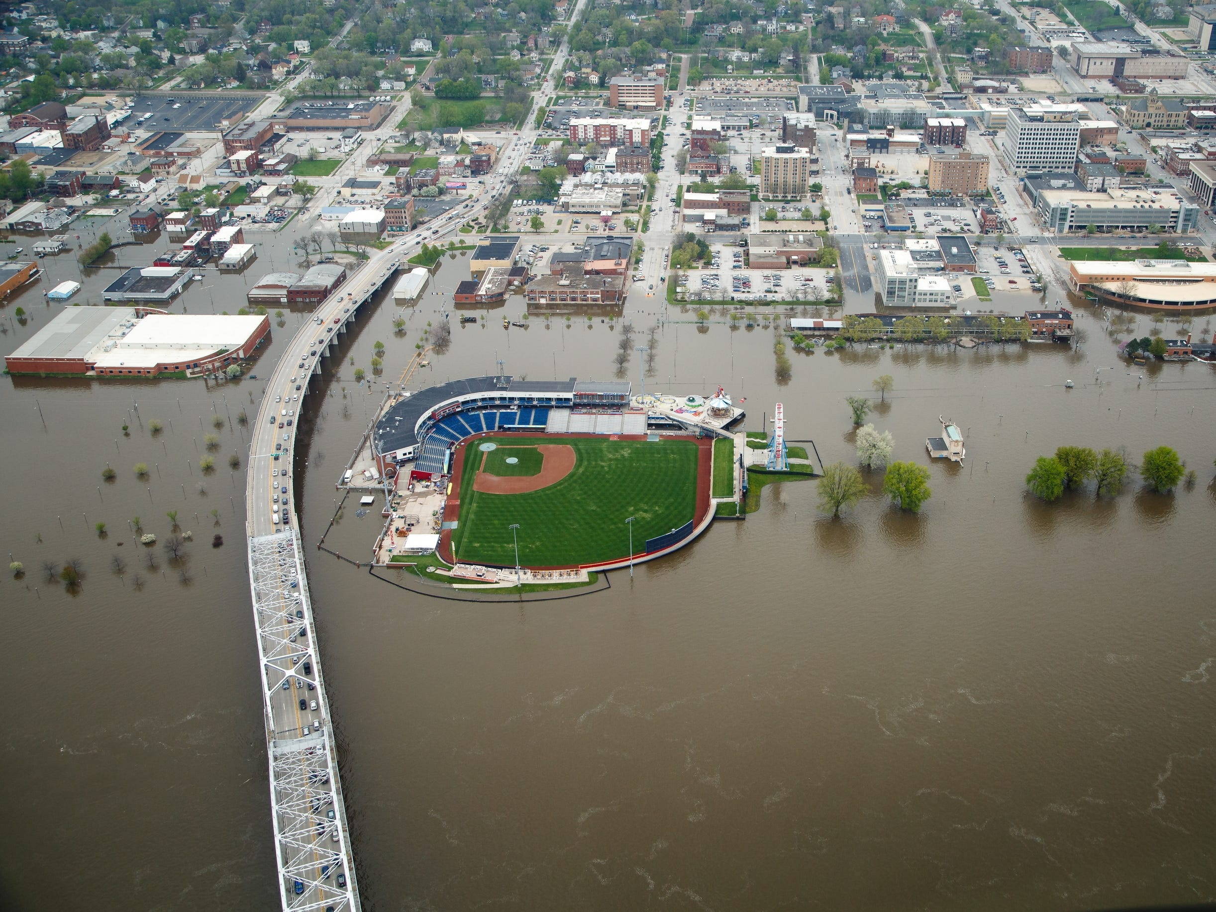 Quad City River Bandits bailed out by Hawkeyes