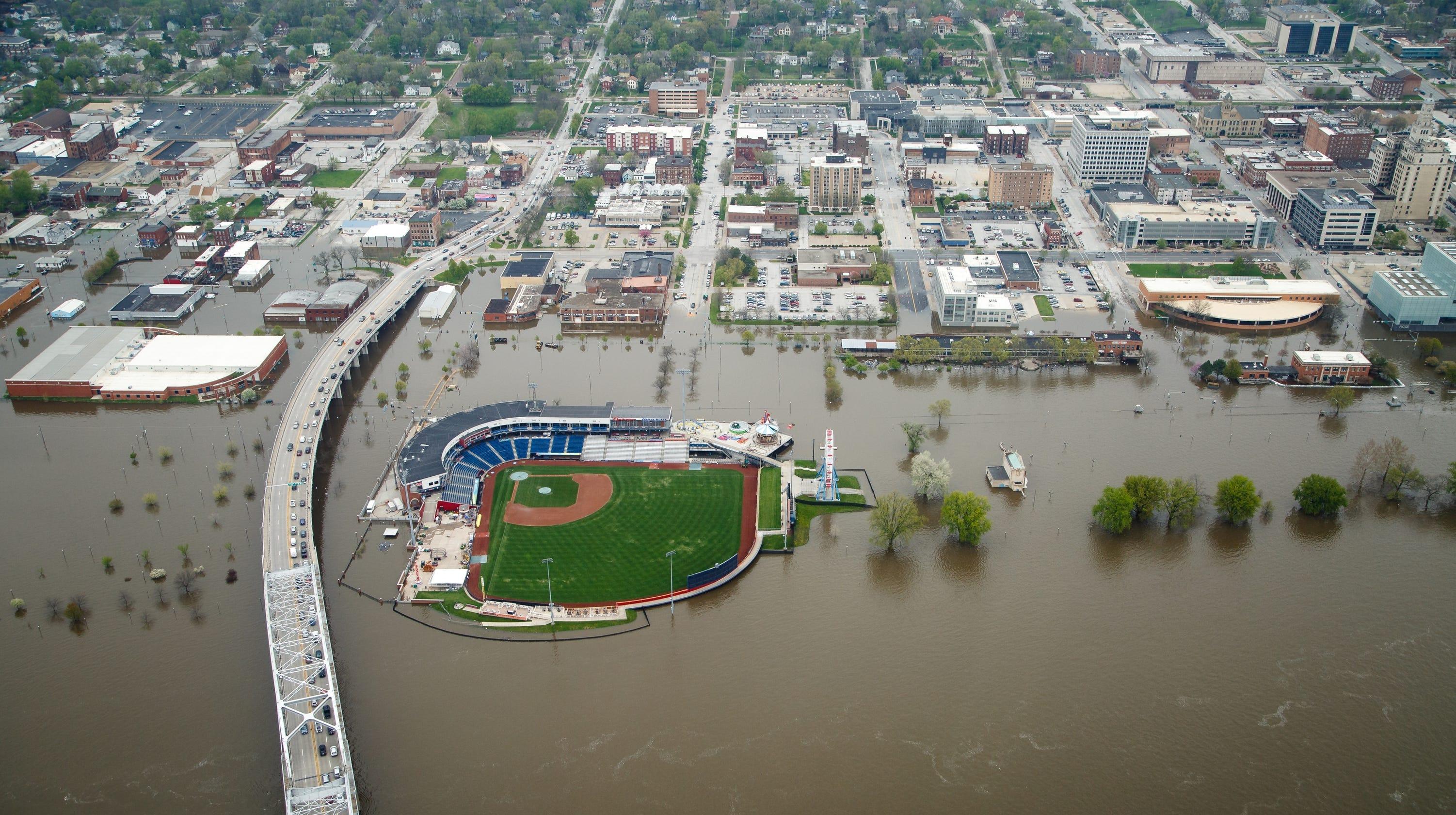 Davenport flooding: Overhead photos of 2019 flooding in ...