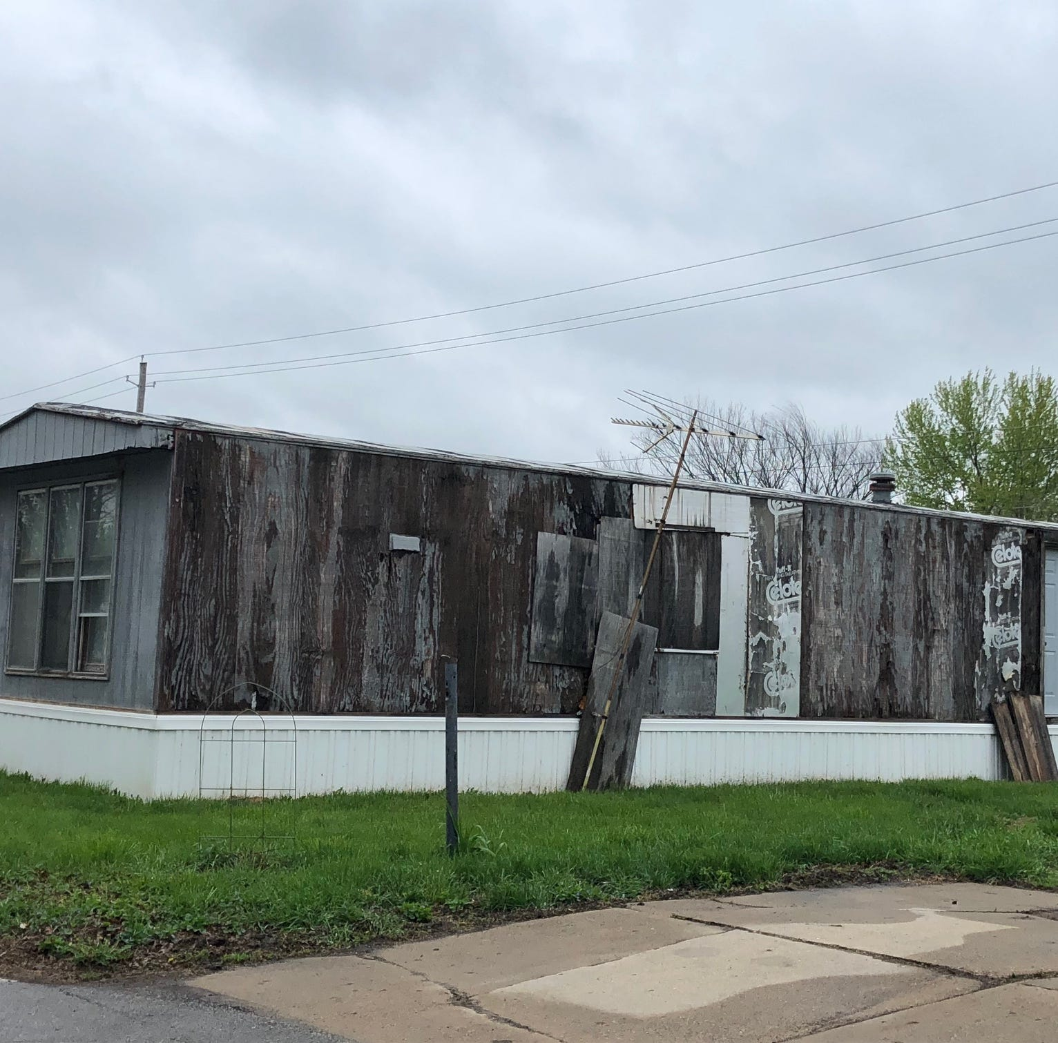 Investor firm that hiked lot rents at Iowa mobile home parks is subject of complaints in other states