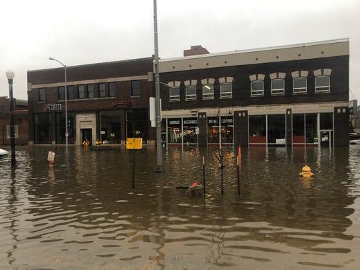 Davenport Flooding 2019: What's A HESCO Barrier?