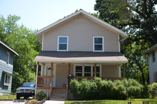 1219 15th St in Des Moines, owned by Osman Jama