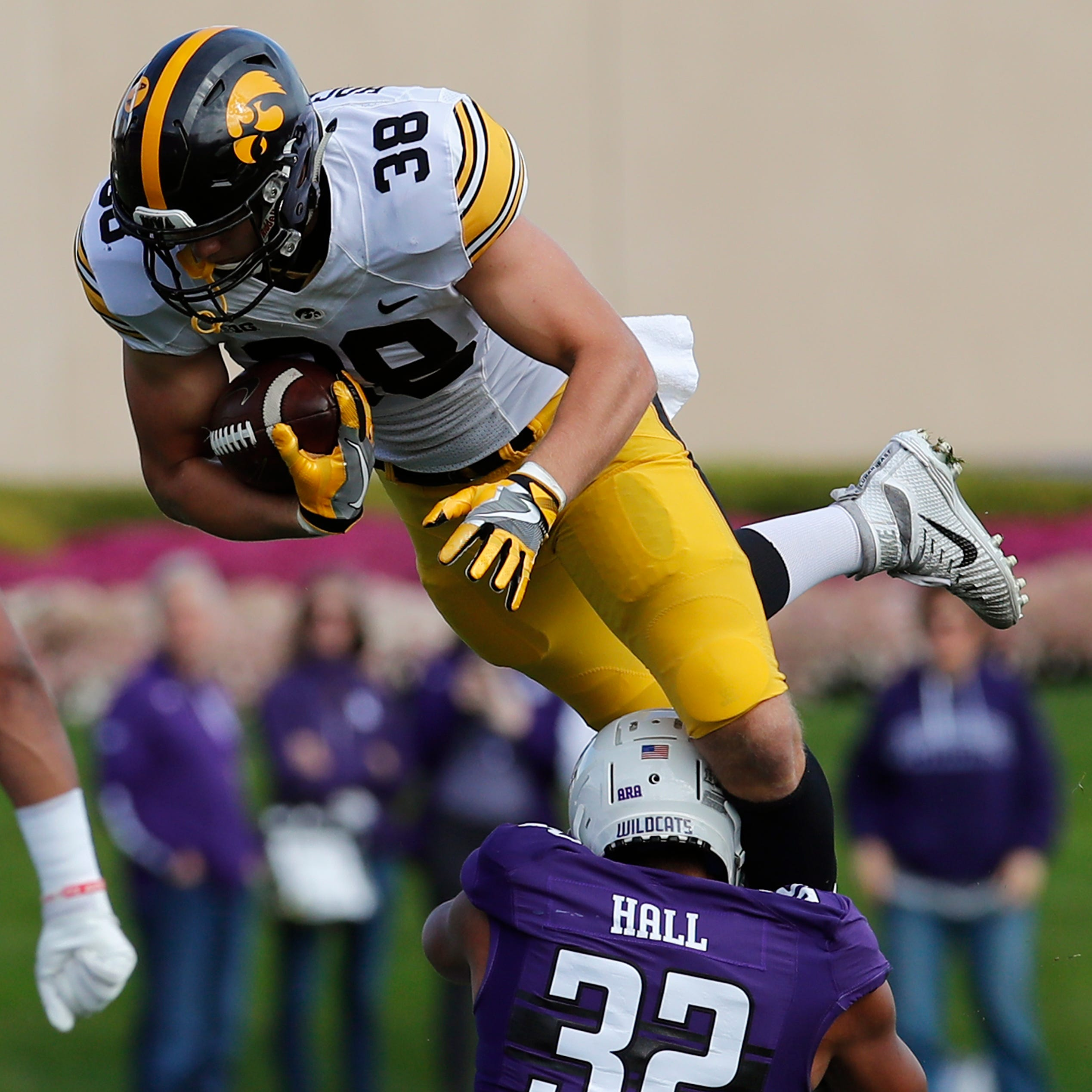 What must Lions tight end T.J. Hockenson become to justify top-10 draft pick?