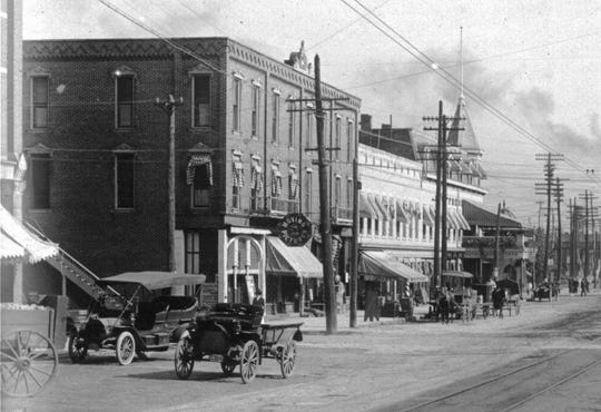 The Hotel Fremont in about 1915.
