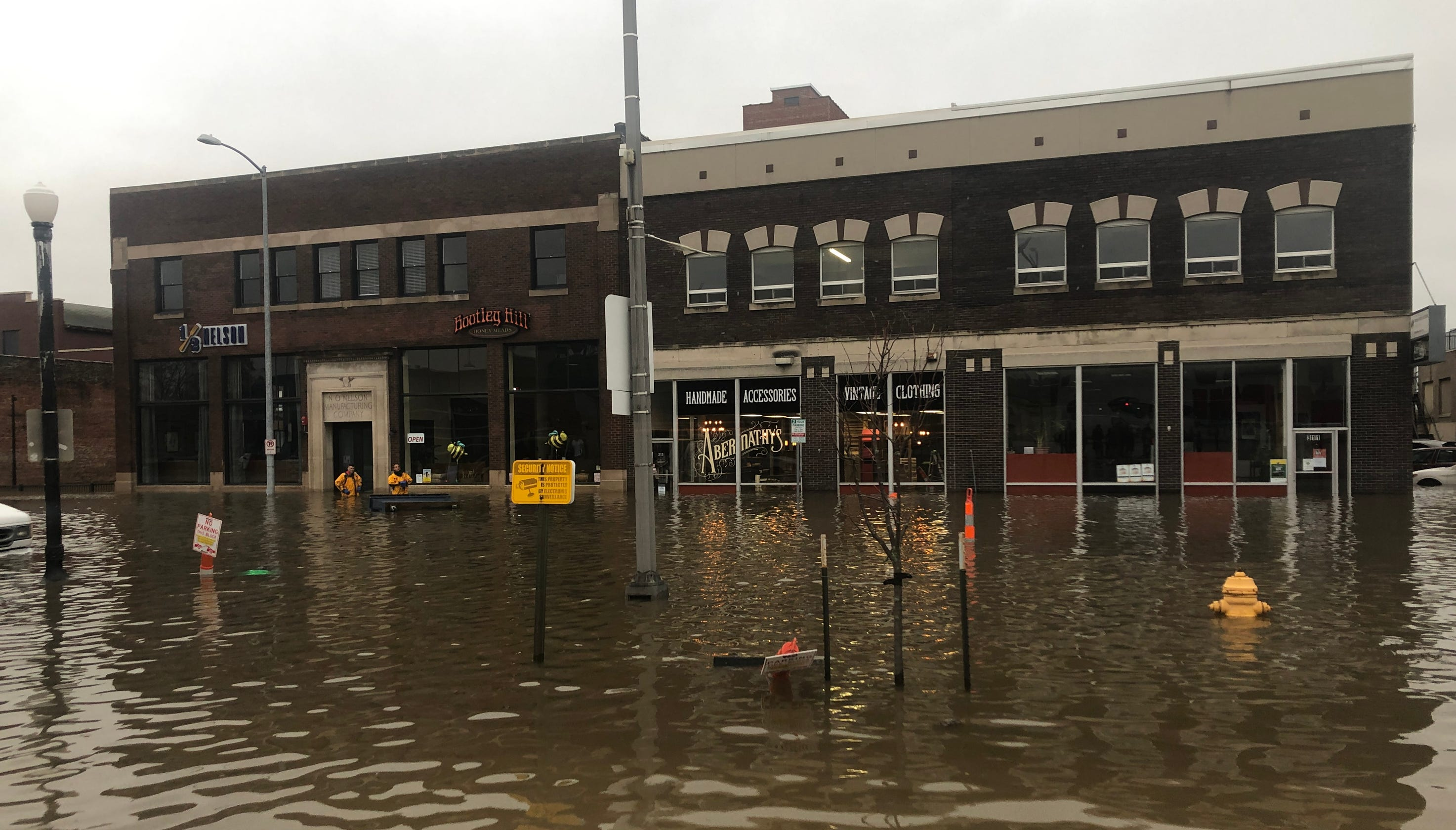Davenport flooding: A scramble to protect businesses downtown