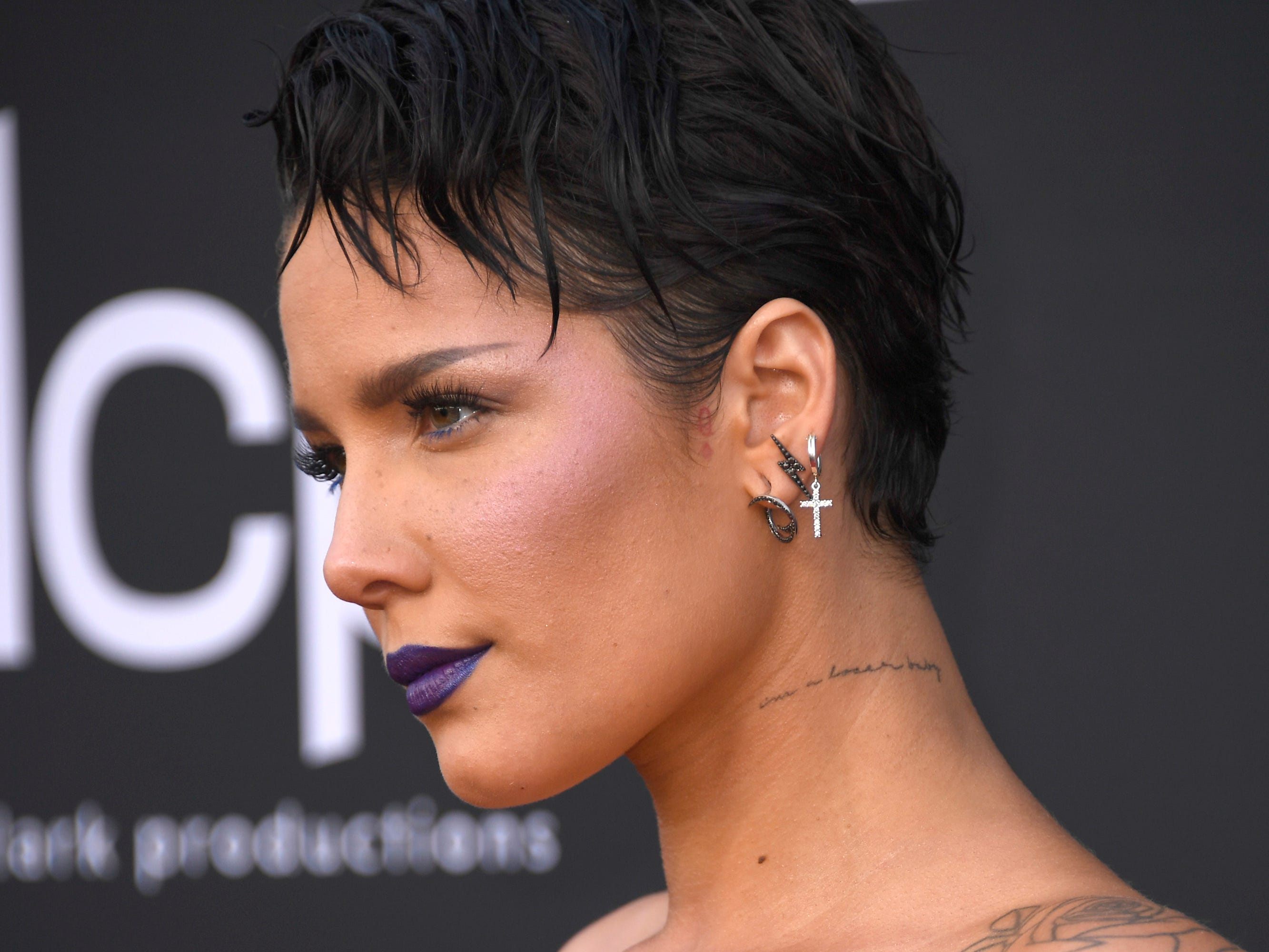 Halsey attends the 2019 Billboard Music Awards at MGM Grand Garden Arena on May 01, 2019 in Las Vegas, Nevada.