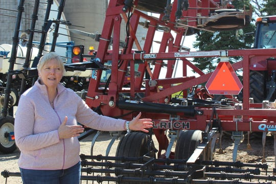 Cheryl Skjolaas, AgriculturalSafetyand Health Specialist for UW Extension stresses the importance of marking farm equipment with SMV emblems, retroreflective extremity markings and lights.