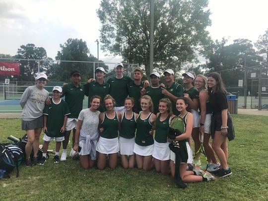 Menard's tennis team at the 2019 LHSAA state tennis tournament.