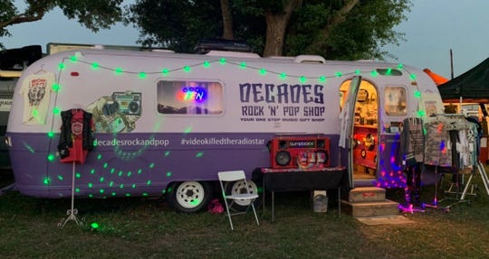 Decades Rock 'N' Pop Shop is the traveling boutique created by Ohio resident Carla Hadfield.