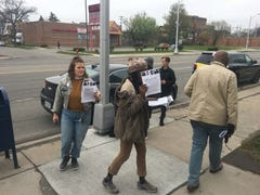 Group protests Highland Park's hiring of police official