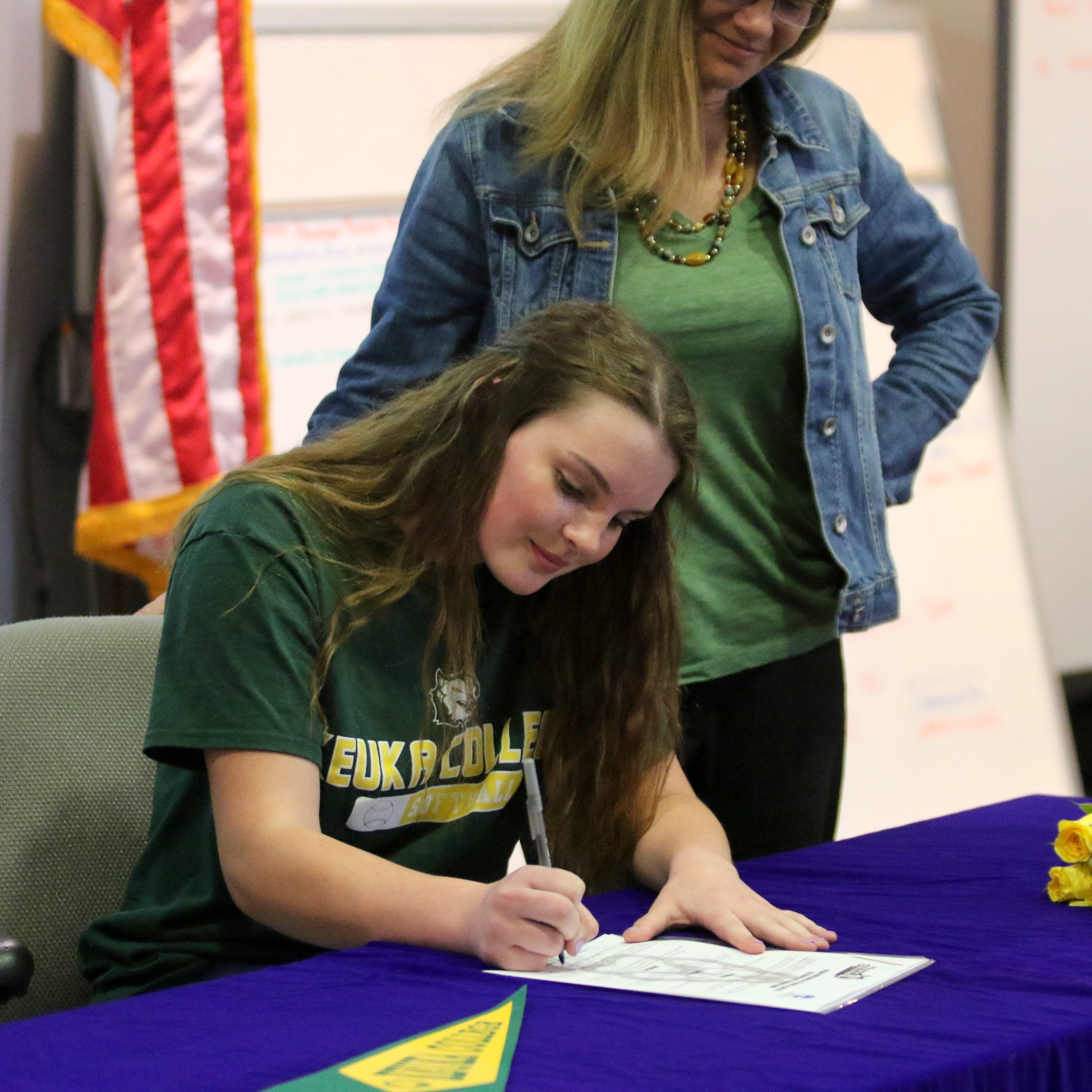 Edison pitching ace Bella Willsey commits to Keuka College