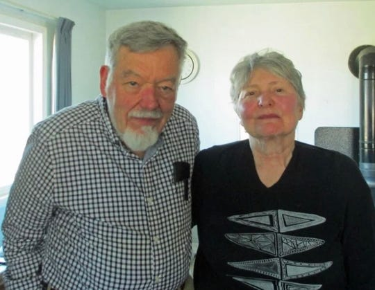 Thomas and Ethel Mortenson Davis will be the featured poets at the Dickenson Poetry Series event tonight at 7 p.m. in Ephraim.